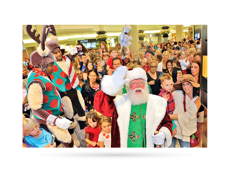 Santa's Arrival at The Gardens Mall